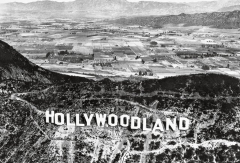 http://factopedia.ru/sites/default/files/imagecache/publication_body/images/publications/hollywoodland-panneau-hollywood-01_0.jpg